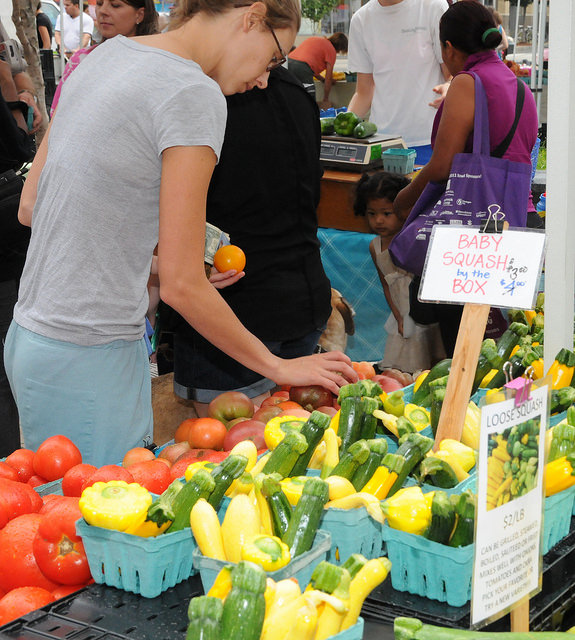Food hubs are a great way to provide access to local food. (Photo Credit: USDA)