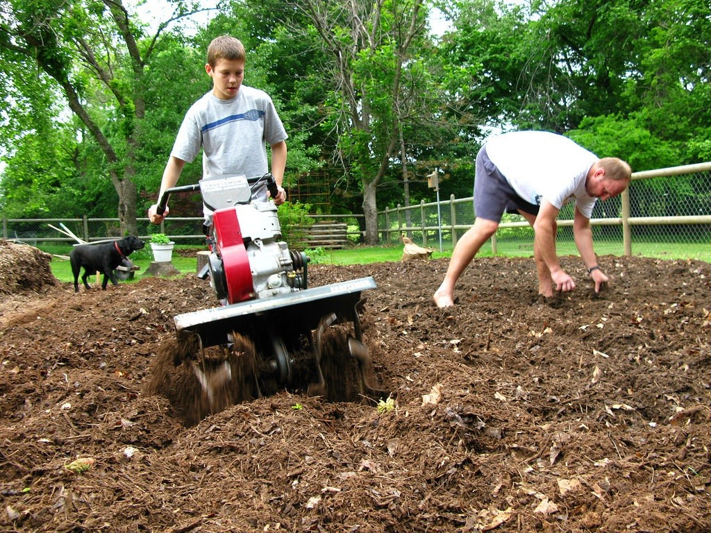 Getting the garden ready to plant. (Photo Credit: OaklyOriginals)